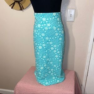 Turquoise Cassie skirt new with tags!